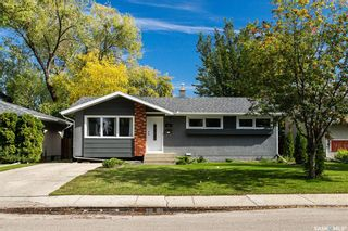 Photo 2: 122 Tucker Crescent in Saskatoon: Brevoort Park Residential for sale : MLS®# SK844911