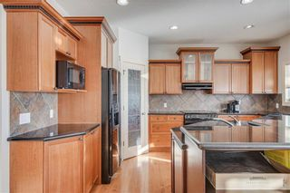 Photo 7: 1638 STRATHCONA Drive SW in Calgary: Strathcona Park Detached for sale : MLS®# C4288398