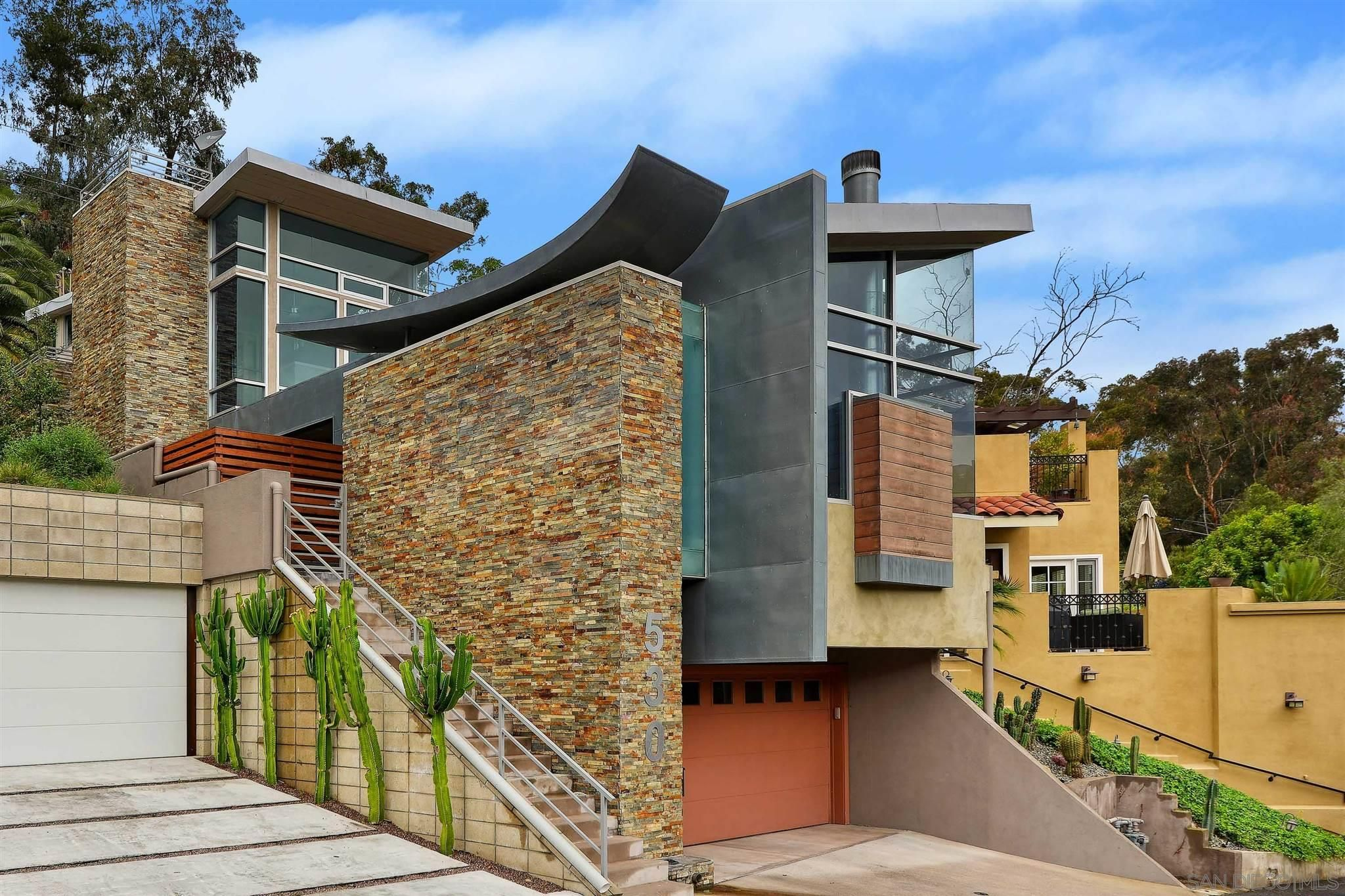 Main Photo: MISSION HILLS House for sale : 2 bedrooms : 530 Otsego Dr in San Diego