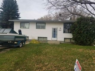Photo 1: 5828 51 Avenue: Redwater House for sale : MLS®# E4264521