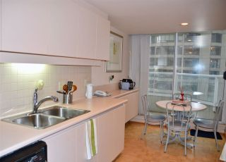 """Photo 8: 1001 717 JERVIS Street in Vancouver: West End VW Condo for sale in """"EMERALD WEST"""" (Vancouver West)  : MLS®# R2420598"""