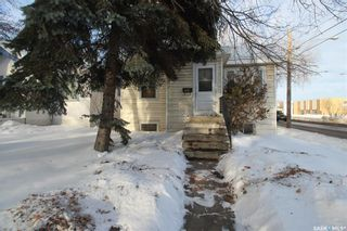 Photo 1: 100 32nd Street West in Saskatoon: Caswell Hill Residential for sale : MLS®# SK838406