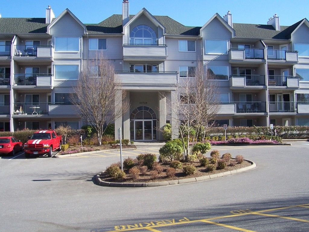 Main Photo: #106 33718 King Rd. in Abbotsford: Central Abbotsford Condo for rent