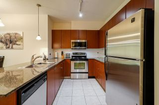 """Photo 17: 424 10180 153 Street in Surrey: Guildford Condo for sale in """"Charleton Park"""" (North Surrey)  : MLS®# R2582577"""
