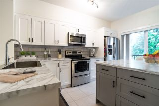"""Photo 2: 50 11067 BARNSTON VIEW Road in Pitt Meadows: South Meadows Townhouse for sale in """"COHO"""" : MLS®# R2472923"""