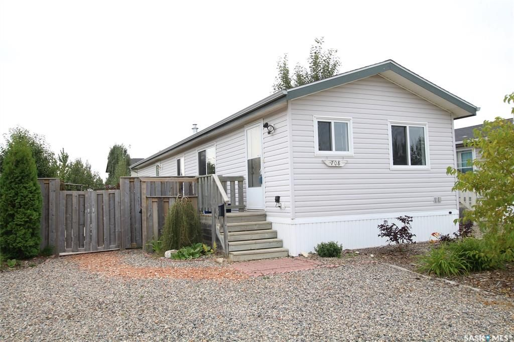 Main Photo: 708 Harder Court in Martensville: Residential for sale : MLS®# SK785935
