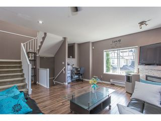 """Photo 5: 43 18181 68 Avenue in Surrey: Cloverdale BC Townhouse for sale in """"THE MAGNOLIA"""" (Cloverdale)  : MLS®# R2191663"""