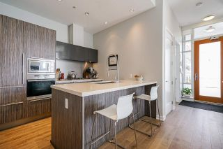 """Photo 7: 2 ATHLETES Way in Vancouver: False Creek Townhouse for sale in """"KAYAK-THE VILLAGE ON THE CREEK"""" (Vancouver West)  : MLS®# R2564490"""