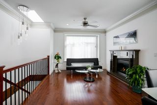 Photo 3: 3185 E 3RD AVENUE in Vancouver: Renfrew VE House for sale (Vancouver East)  : MLS®# R2103747