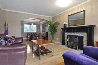 """Photo 2: 8407 215 Street in Langley: Walnut Grove House for sale in """"Forest Hills"""" : MLS®# R2159381"""