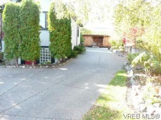 Photo 18: 1060 Bank St in VICTORIA: Vi Fairfield East House for sale (Victoria)  : MLS®# 515158