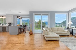 "Photo 9: 192 STONEGATE Drive: Furry Creek House for sale in ""FURRY CREEK"" (West Vancouver)  : MLS®# R2530181"