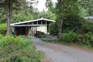 Photo 5: 3988 PHYLLIS Road in North Vancouver: Lynn Valley House for sale : MLS®# R2373907