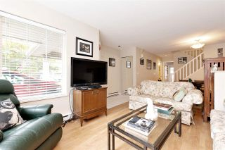 """Photo 3: 27 23085 118 Avenue in Maple Ridge: East Central Townhouse for sale in """"SOMMERVILLE GARDENS"""" : MLS®# R2490067"""