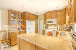 Photo 4: 14653 107A Avenue in Surrey: Guildford House for sale (North Surrey)  : MLS®# R2438887