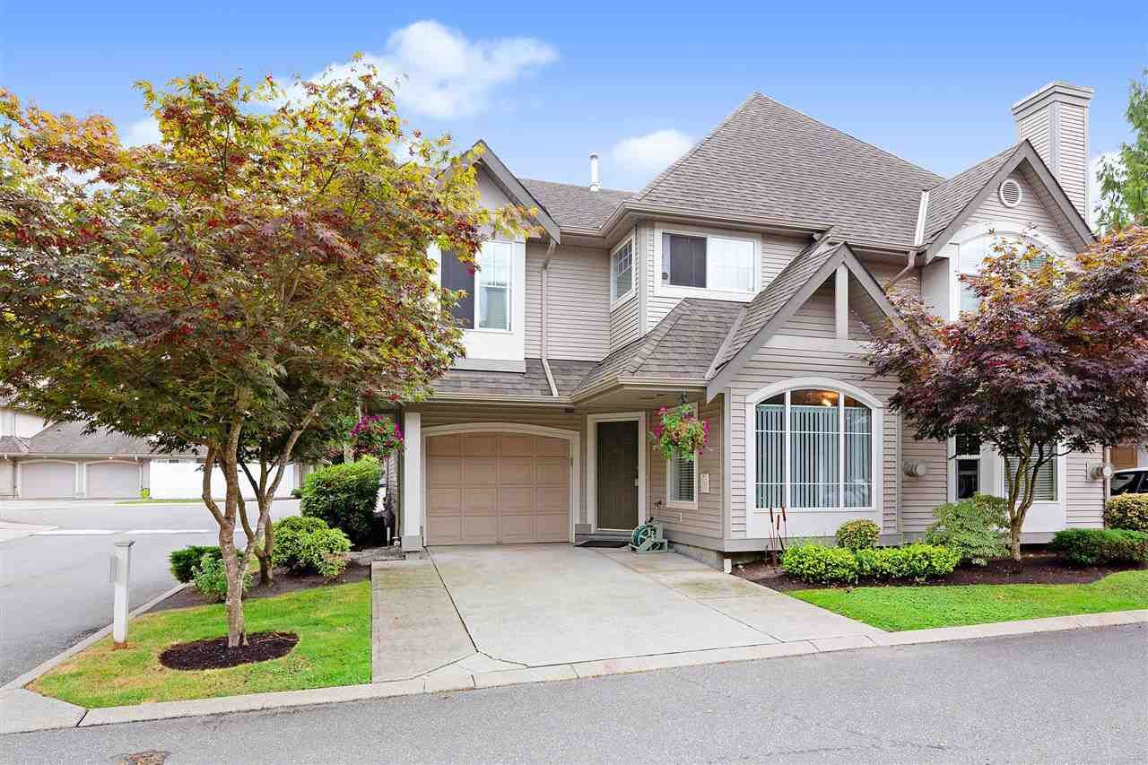 """Main Photo: 27 23085 118 Avenue in Maple Ridge: East Central Townhouse for sale in """"SOMMERVILLE GARDENS"""" : MLS®# R2490067"""