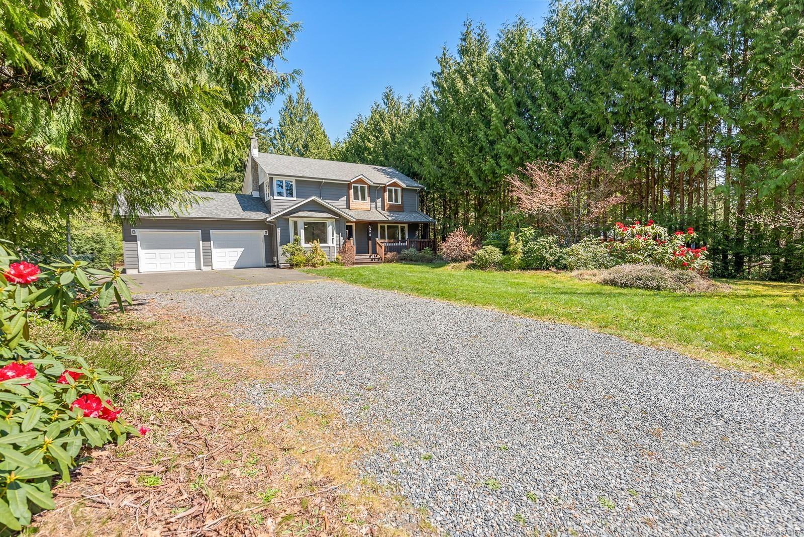 Main Photo: 4928 Willis Way in : CV Courtenay North House for sale (Comox Valley)  : MLS®# 873457