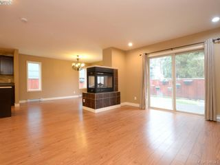 Photo 2: 3207 Ernhill Pl in VICTORIA: La Walfred Row/Townhouse for sale (Langford)  : MLS®# 776426