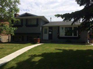 Photo 1: 5735 RUNDLEHORN Drive NE in CALGARY: Pineridge Residential Detached Single Family for sale (Calgary)  : MLS®# C3625179