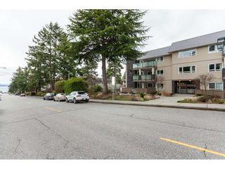 Photo 2: 102 1371 FOSTER STREET: White Rock Condo for sale (South Surrey White Rock)  : MLS®# R2430848