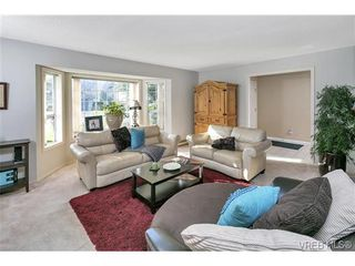 Photo 2: 4700 Sunnymead Way in VICTORIA: SE Sunnymead House for sale (Saanich East)  : MLS®# 722127