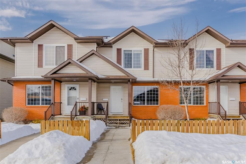 Main Photo: 23 135 Keedwell Street in Saskatoon: Willowgrove Residential for sale : MLS®# SK842235