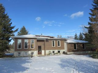 Photo 1: 26139 Hillside Road: RM Springfield Single Family Detached for sale (R04)  : MLS®# 1931224