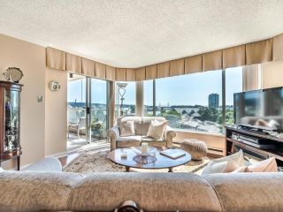 """Photo 3: 604 1045 QUAYSIDE Drive in New Westminster: Quay Condo for sale in """"Quayside Tower 1"""" : MLS®# R2582288"""