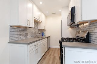 Photo 2: PACIFIC BEACH Condo for rent : 2 bedrooms : 4018 Ingraham St in San Diego