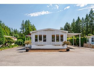 """Photo 2: 228 20071 24 Avenue in Langley: Brookswood Langley Manufactured Home for sale in """"Fernridge Park"""" : MLS®# R2600395"""
