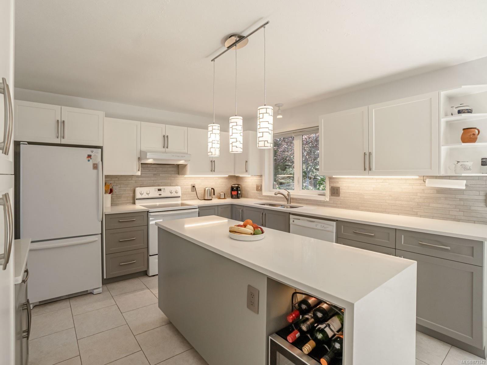 Photo 37: Photos: 5294 Catalina Dr in : Na North Nanaimo House for sale (Nanaimo)  : MLS®# 873342