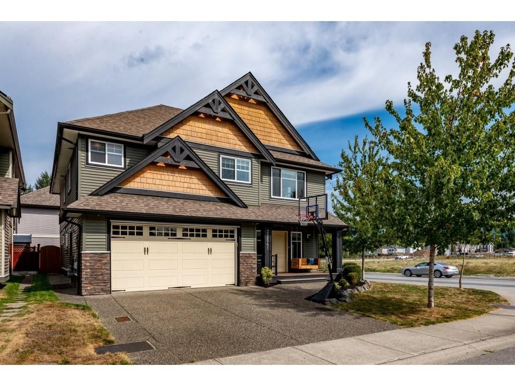 """Main Photo: 32641 CARTER Avenue in Mission: Mission BC House for sale in """"CEDAR VALLEY & FERNDALE"""" : MLS®# R2615357"""