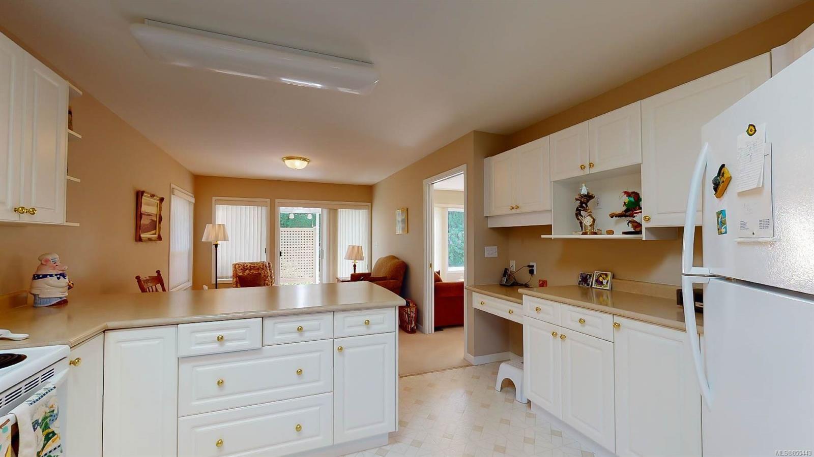 Photo 13: Photos: 1294 Leeward Way in : PQ Qualicum Beach House for sale (Parksville/Qualicum)  : MLS®# 855443