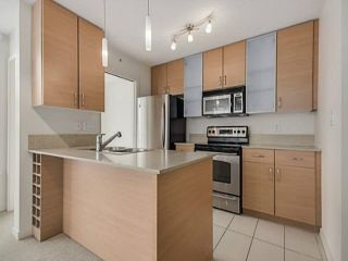 """Photo 16: 2205 977 MAINLAND Street in Vancouver: Yaletown Condo for sale in """"Yaletown Park 3"""" (Vancouver West)  : MLS®# R2480309"""