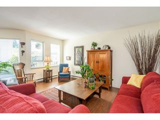 """Photo 11: 219 15991 THRIFT Avenue: White Rock Condo for sale in """"ARCADIAN"""" (South Surrey White Rock)  : MLS®# R2456477"""