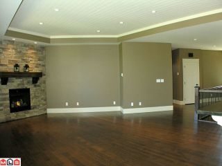 Photo 3: 3529 MIERAU Court in Abbotsford: Abbotsford East House for sale