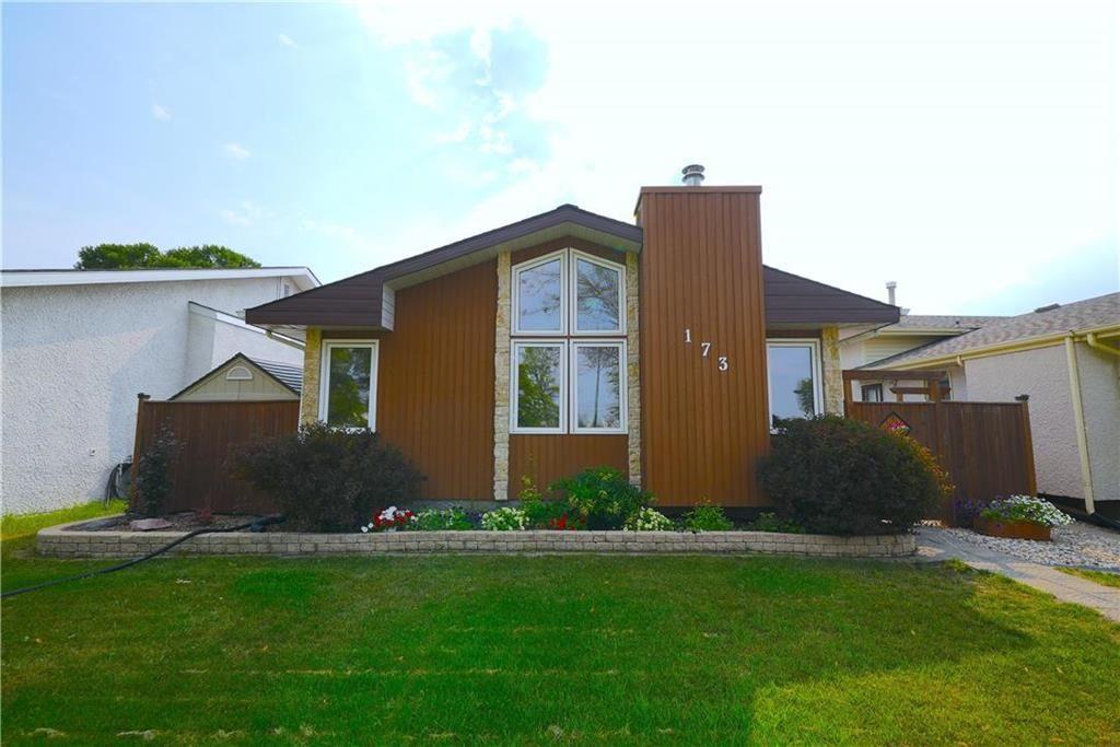 Main Photo: 173 Island Shore Boulevard in Winnipeg: Island Lakes Residential for sale (2J)  : MLS®# 202118608