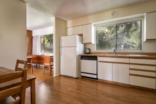 Photo 2: 3689 KENNEDY Street in Port Coquitlam: Glenwood PQ House for sale : MLS®# R2260406