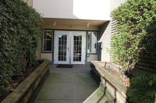 """Photo 4: 404 509 CARNARVON Street in New Westminster: Downtown NW Condo for sale in """"HILLSIDE PLACE"""" : MLS®# R2226244"""