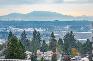 """Photo 21: 1904 4300 MAYBERRY Street in Burnaby: Metrotown Condo for sale in """"Times Square"""" (Burnaby South)  : MLS®# R2526993"""