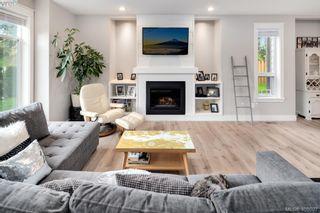 Photo 3: 2766 Kristina Pl in VICTORIA: La Fairway House for sale (Langford)  : MLS®# 812021