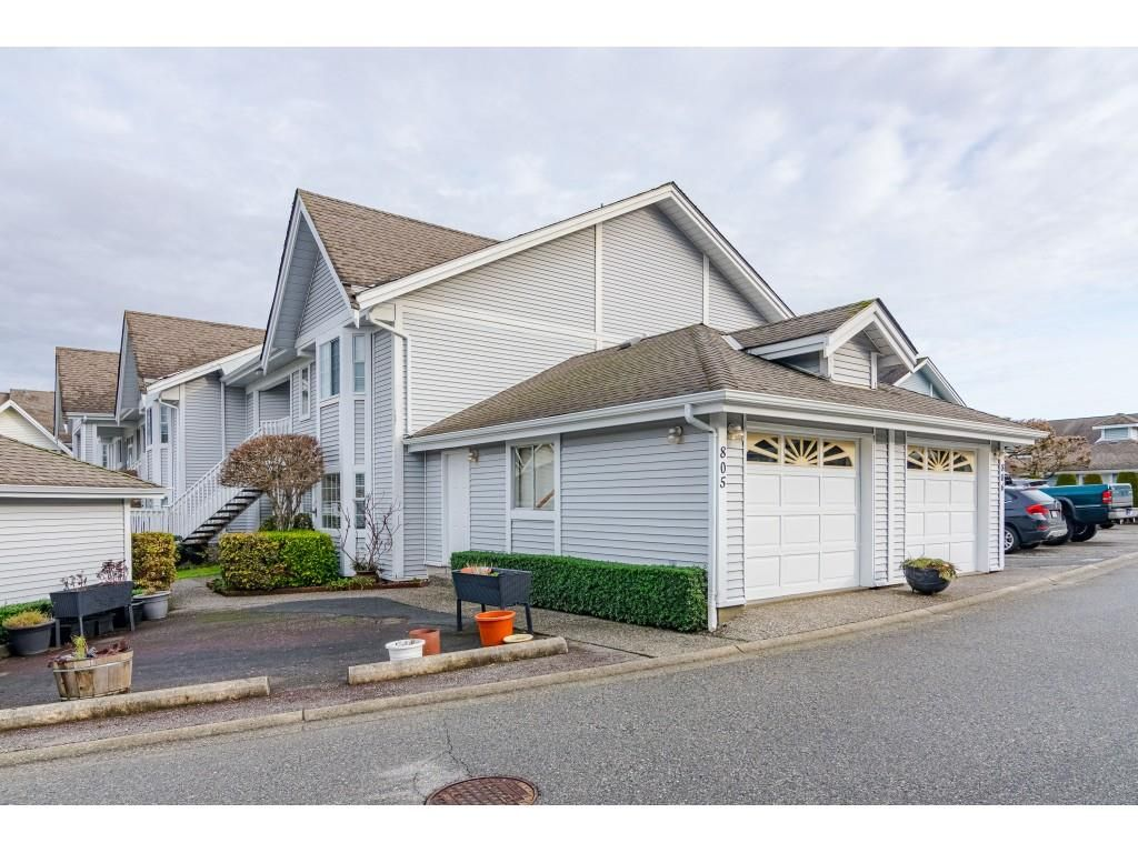 "Main Photo: 805 9139 154 Street in Surrey: Fleetwood Tynehead Townhouse for sale in ""Lexington Square"" : MLS®# R2431673"
