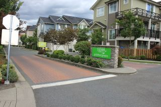 """Photo 2: 3 15399 GUILDFORD Drive in Surrey: Guildford Townhouse for sale in """"GUILDFORD GREEN"""" (North Surrey)  : MLS®# R2095624"""