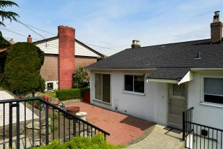 """Photo 20: 824 SURREY Street in New Westminster: The Heights NW House for sale in """"THE HEIGHTS"""" : MLS®# R2064909"""