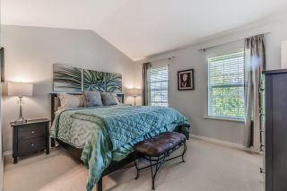 """Photo 10: 18068 70 Avenue in Surrey: Cloverdale BC Condo for sale in """"Provinceton"""" (Cloverdale)  : MLS®# R2186482"""