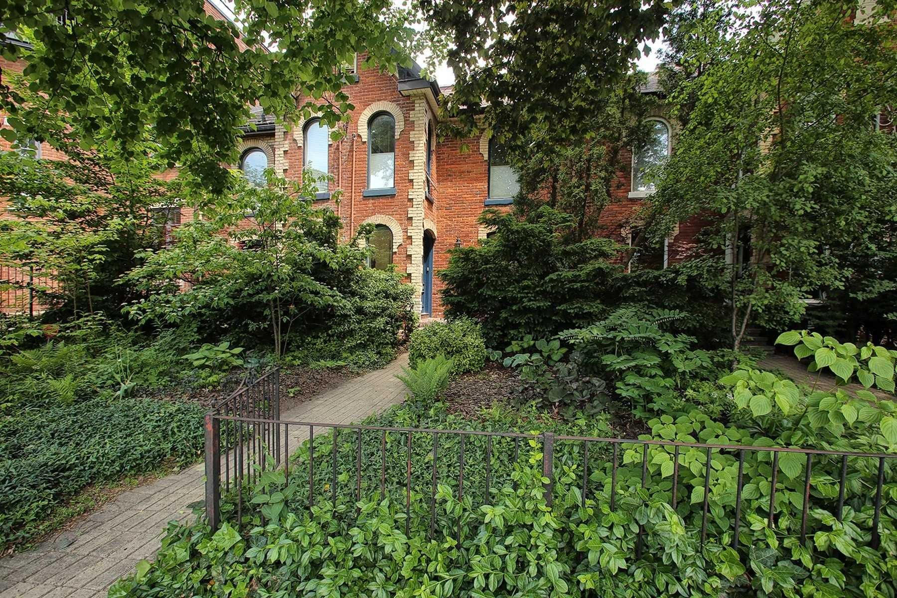 Main Photo: 9 Rose Avenue in Toronto: Cabbagetown-South St. James Town House (3-Storey) for sale (Toronto C08)  : MLS®# C5264079