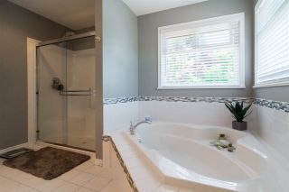 Photo 13: 21060 86 Avenue in Langley: Walnut Grove House for sale : MLS®# R2199071