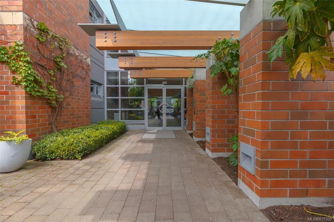 Photo 2: Photos: 219 365 Waterfront Cres in Victoria: Vi Rock Bay Condo for sale : MLS®# 839309