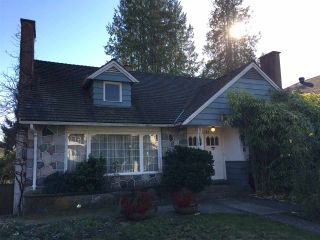 Photo 2: 1768 W 61ST Avenue in Vancouver: South Granville House for sale (Vancouver West)  : MLS®# R2120423