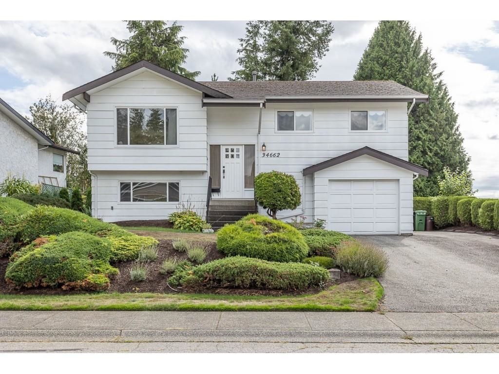 """Main Photo: 34662 ST. MATTHEWS Way in Abbotsford: Abbotsford East House for sale in """"McMillan"""" : MLS®# R2616255"""